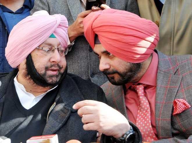 Punjab CM Capt Amarinder invites Navjot Sidhu for lunch