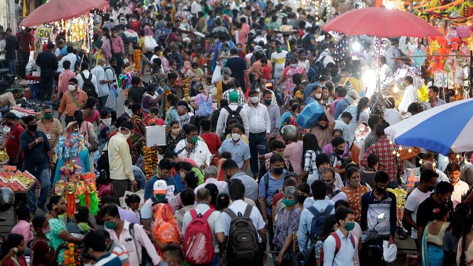 crowd in market virus